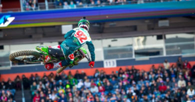 VIDEO: SUPERCROSS USA ROUND #15 DENVER MAIN EVENT